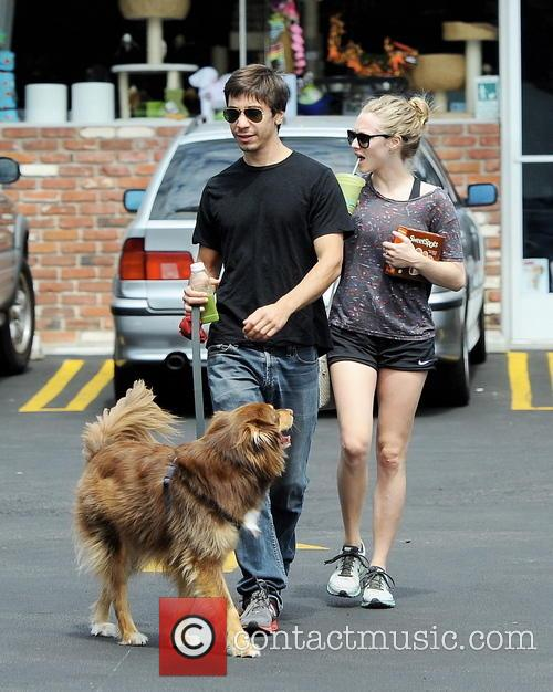 Amanda Seyfried and Justin Long 9