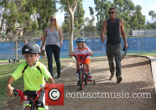 gavin rossdale gavin rossdale out with his 3843524