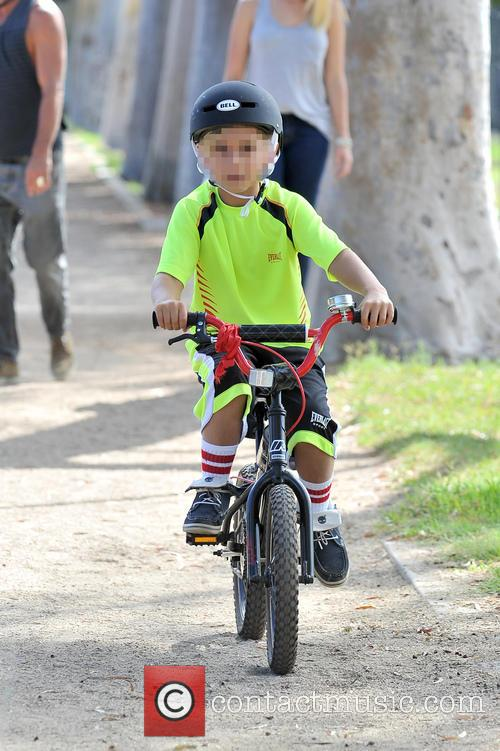 kingston rossdale gavin rossdale and son at 3843672