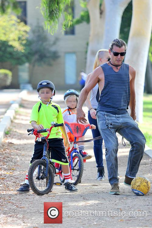 Gavin Rossdale and son at park