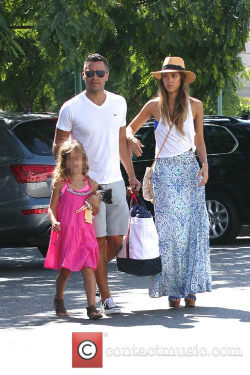 Jessica Alba, Cash Warren and Honor Marie 8