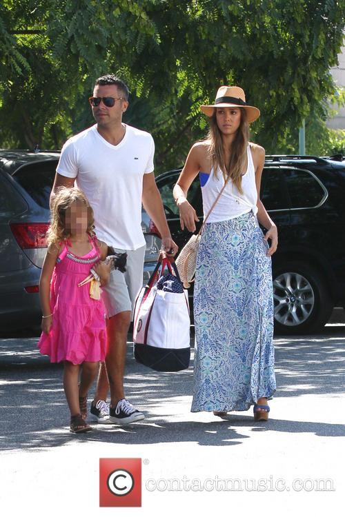 Jessica Alba, Cash Warren and Honor Marie 10