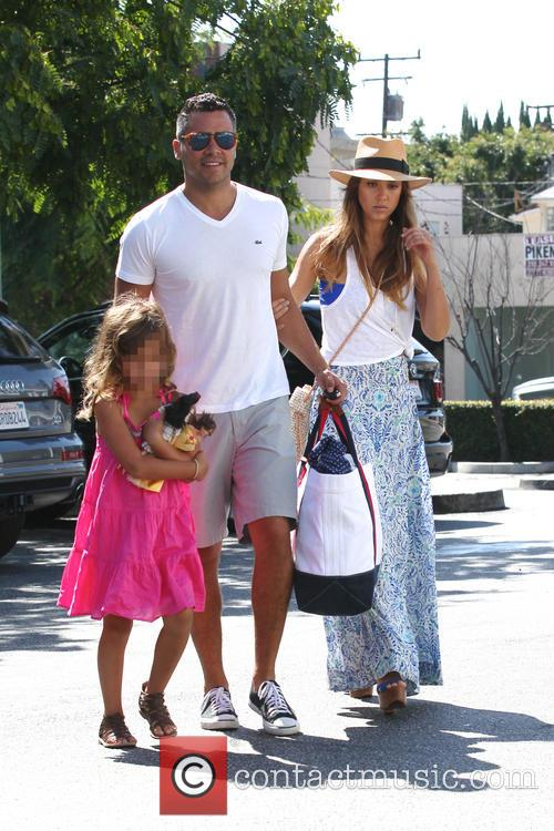 Jessica Alba, Cash Warren and Honor Marie 1