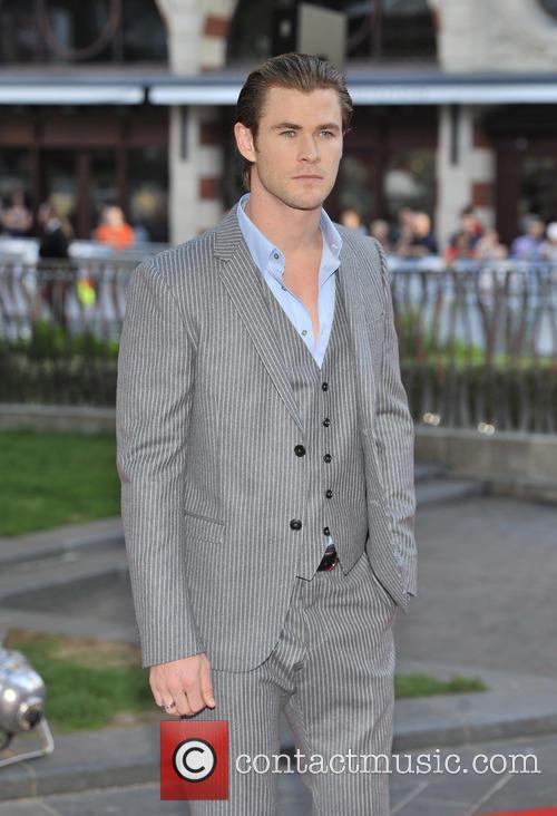 Chris Hemsworth 9
