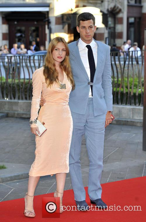 Josephine De La Baume and Mark Ronson 1