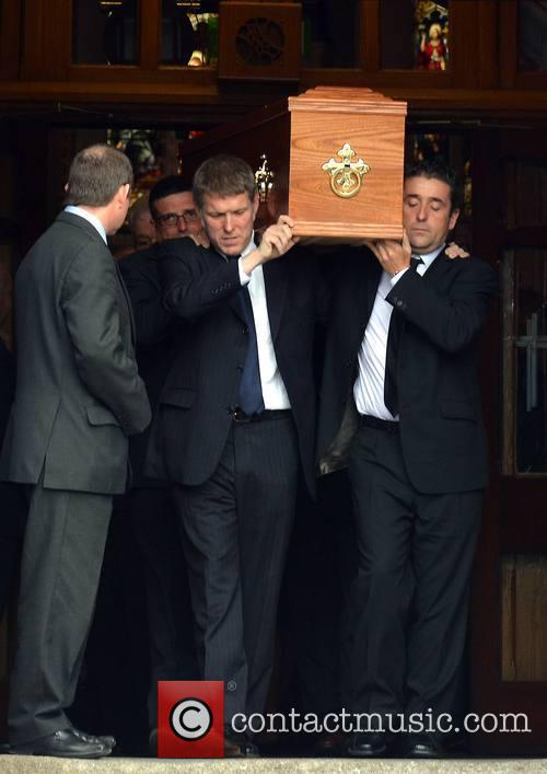 seamus heaney coffin the funeral of poet 3845562