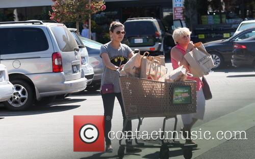 Mila Kunis shopping at Pavillions supermarket