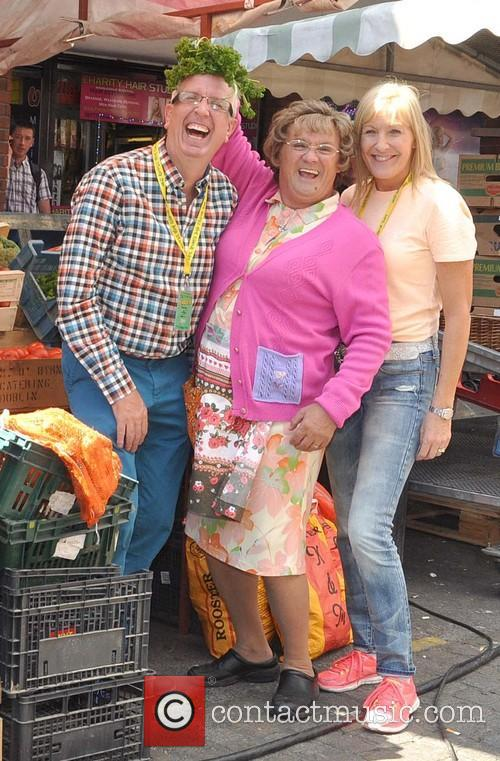 Rory Cowan, Brendan O'carroll and Jennifer Gibney 3