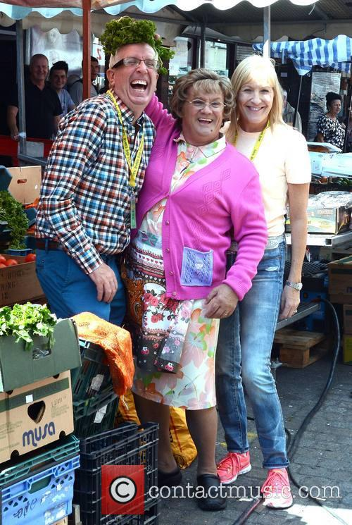 Rory Cowan, Brendan O'carroll and Jenny O'carroll 5