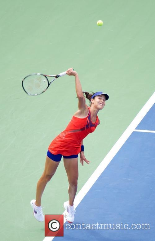 Victoria Azarenka defeats Ana Ivanovic