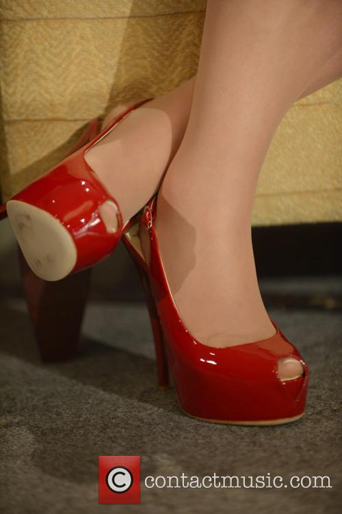 Gloria Estefan and (shoe Detail) 4