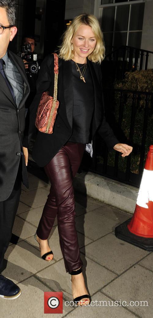 Naomi Watts 25