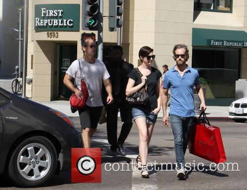 Anne Hathaway and Adam Shulman 9