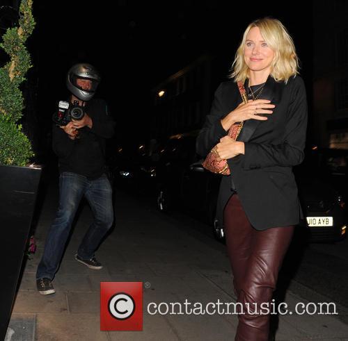 Naomi Watts and Contestant 10
