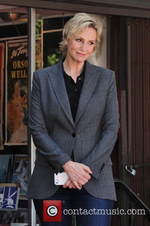 Jane Lynch 7