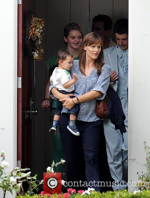 Jennifer Garner, Kerris Dorsey, Dylan Minnette and Steve Carell 5