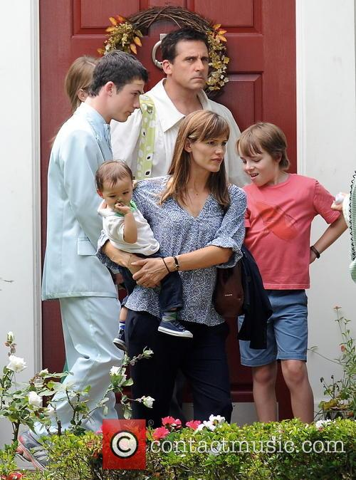 Jennifer Garner, Steve Carell, Kerris Dorsey, Dylan Minnette, Ed Oxenbould and Guest
