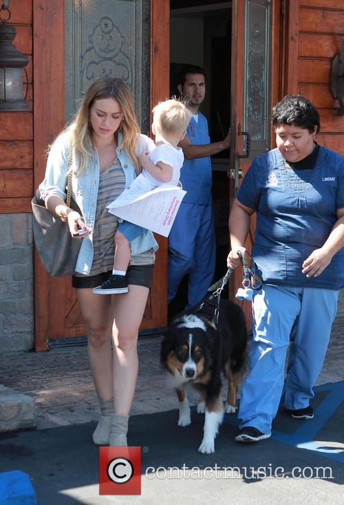 hilary duff luca comrie hilary duff and son 3850997