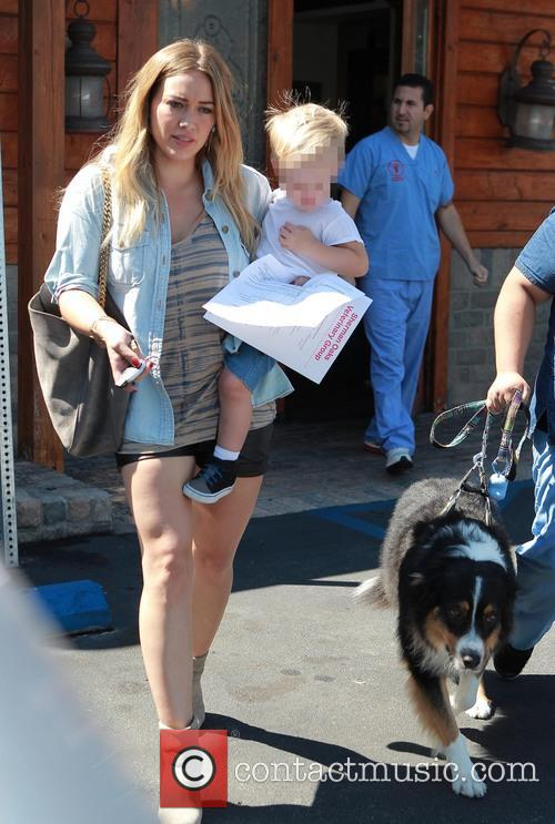 hilary duff luca comrie hilary duff and son 3851003