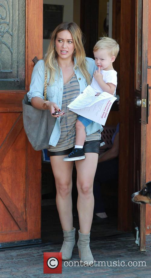 hilary duff luca comrie hilary duff and son 3851005