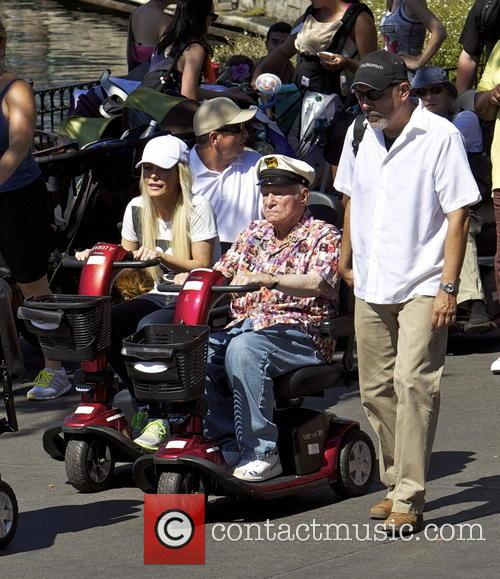 hugh hefner crystal hefner hugh hefner at disneyland 3851524