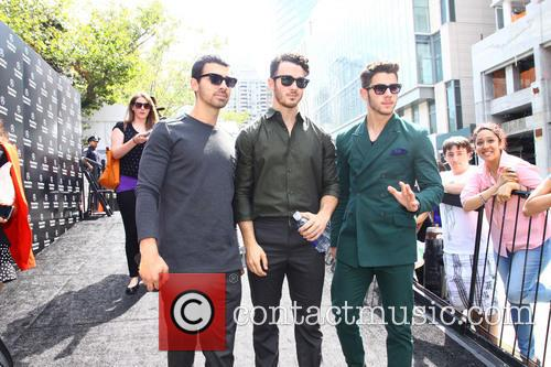 jonas brothers new york fashion week  3851096