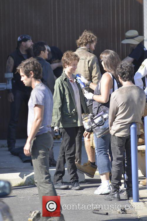 dakota johnson penn badgley cymbeline film set in 3853088
