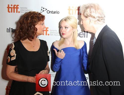 Susan Sarandon, Dakota Fanning and Kevin Kline 3