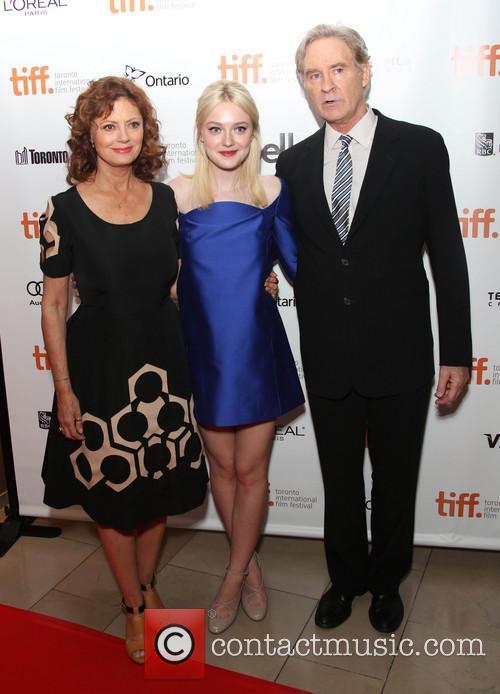 Susan Sarandon, Dakota Fanning and Kevin Kline 4