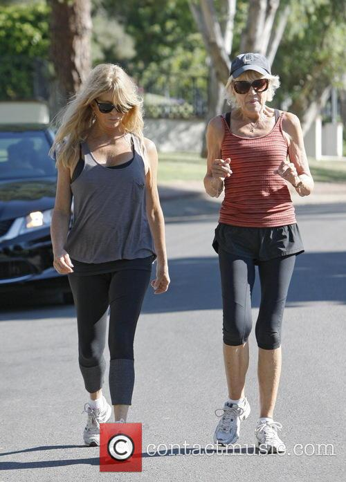 goldie hawn goldie hawn exercising with a 3854875