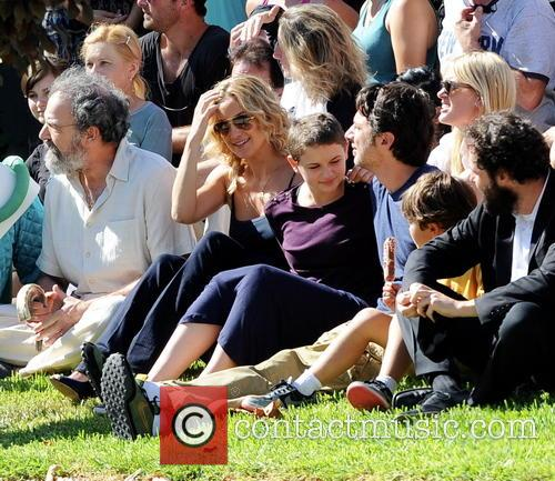 Kate Hudson, Zach Braff, Joey King and Mandy Patinkin 4