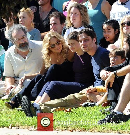 Kate Hudson, Zach Braff, Joey King and Mandy Patinkin 6