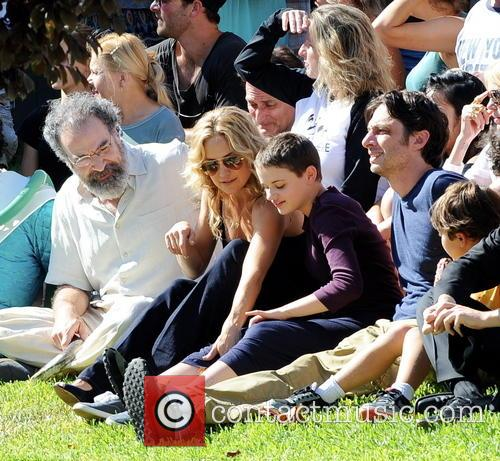 Kate Hudson, Zach Braff, Joey King and Mandy Patinkin 1