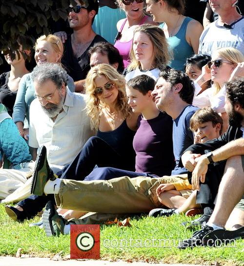 Kate Hudson, Zach Braff, Joey King and Mandy Patinkin 7