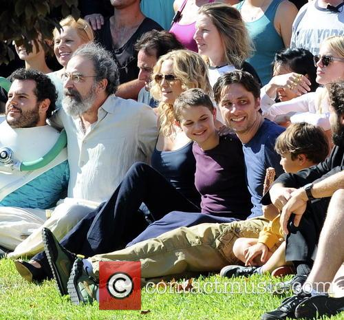 Kate Hudson, Zach Braff, Joey King, Mandy Patinkin and Josh Gad 10
