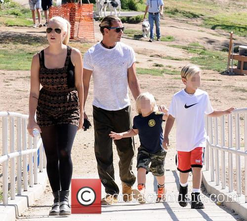 gavin rossdale gavin rossdale and his kids 3856055