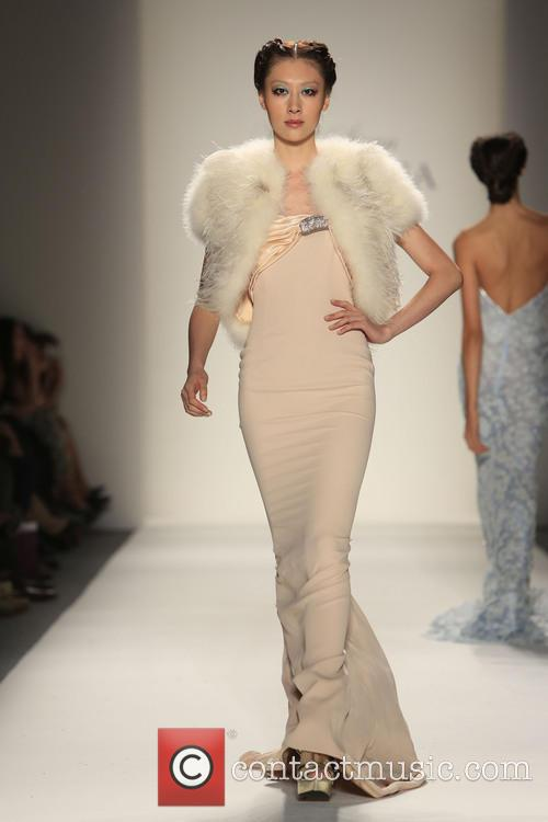 Mercedes-benz New York Fashion, Week Spring, Summer and Venexiana 2