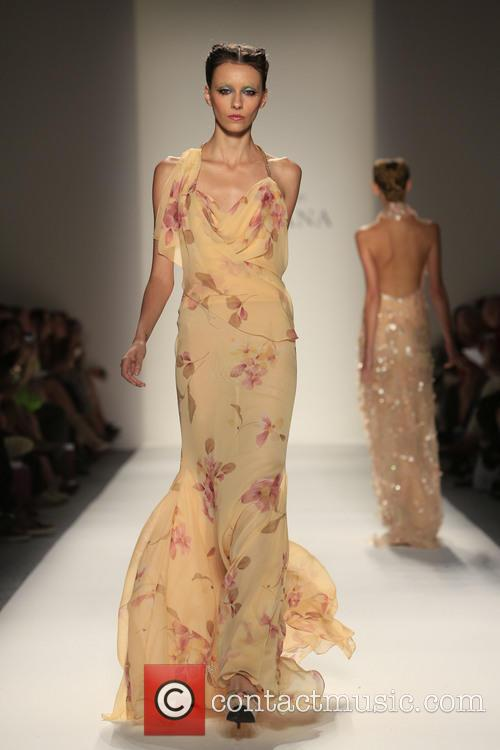Mercedes-benz New York Fashion, Week Spring, Summer and Venexiana 9