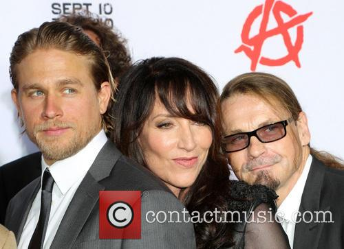 Charlie Hunnam, Katey Sagal and Kurt Sutter