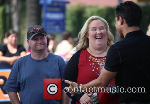 June Shannon, Mike Thompson and Mario Lopez 9