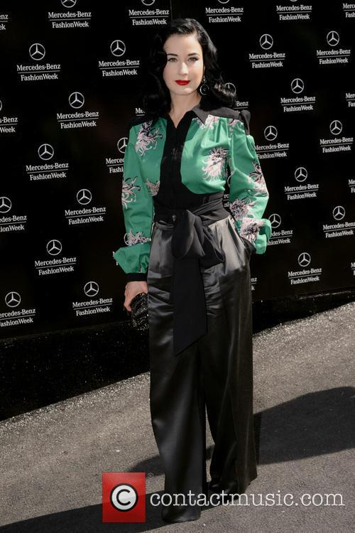 dita von teese new york fashion week 3857113