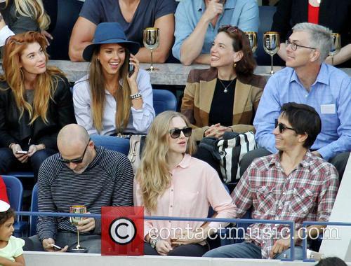 Jessica Alba, Amanda Seyfried and Justin Long 4
