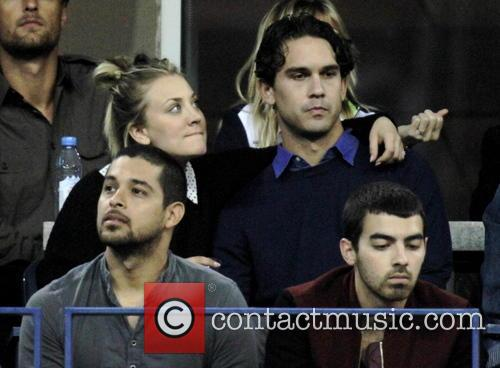 Kaley Cuoco, Ryan Sweeting, Wilmer Valdarama and Joe Jonas 2