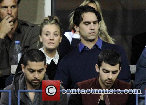 Kaley Cuoco, Ryan Sweeting, Wilmer Valdarama and Joe Jonas 1