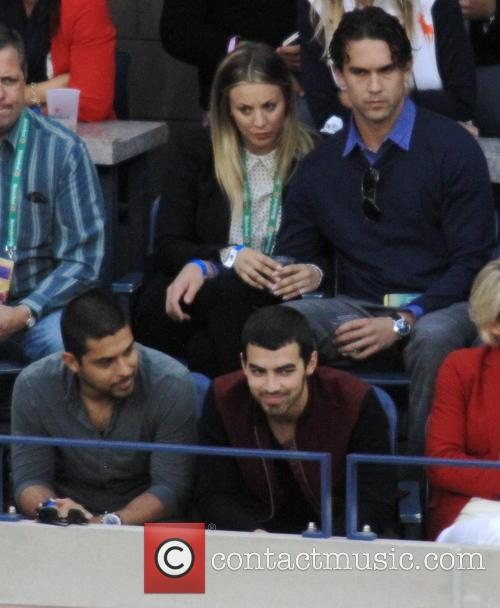 Kaley Cuoco, Ryan Sweeting Wilmer Valdarama and Joe Jonas 5