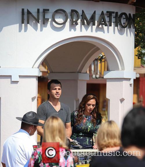 Leah Remini and Tony Dovolani 9