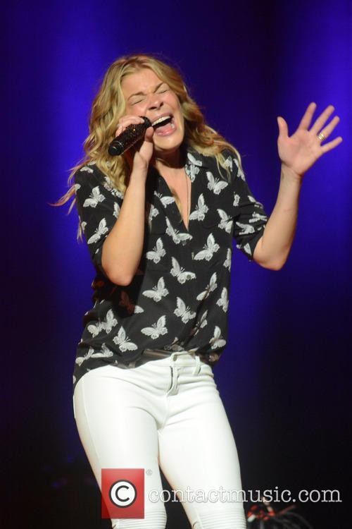LeAnn Rimes Performing In Concert