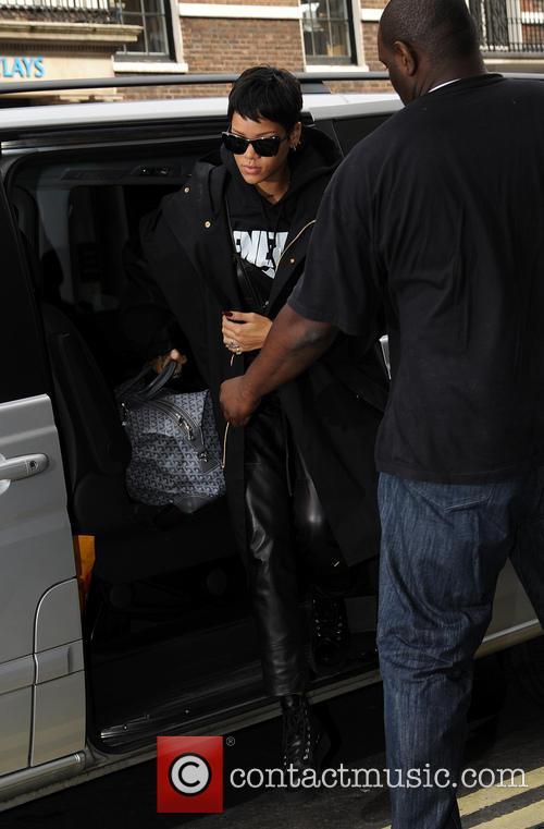 Rihanna arrives at her London hotel