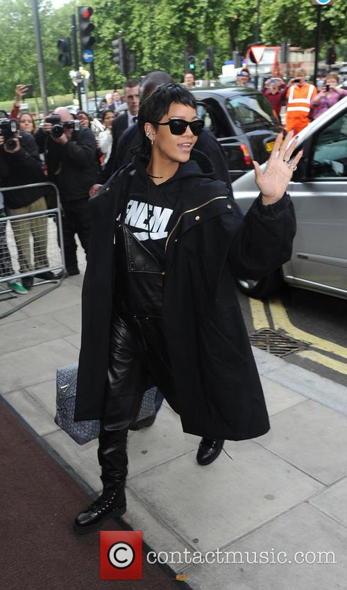 Rihanna Arrives in London at 45 Park Lane