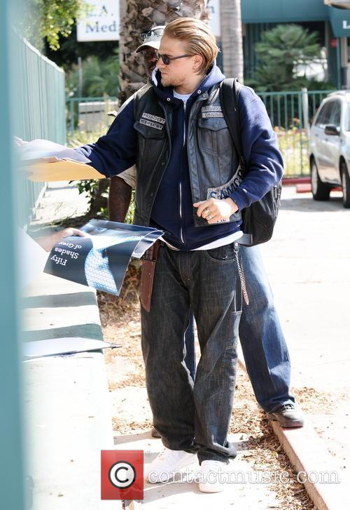 Charlie Hunnam 9